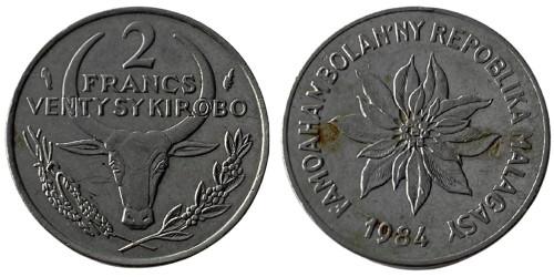 2 франка 1984 Мадагаскар — Пуансеттия прекраснейшая или молочай прекраснейший